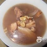 猪肉煲莲藕