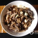 蒜苗烧蘑菇