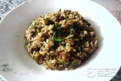 韭菜榨菜炒饭