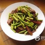 蒜苔炒猪头肉