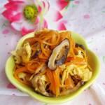 胡萝卜香菇炒鸡蛋