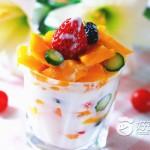 缤纷酸奶水果杯