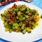 黄瓜丁炒肉末