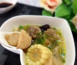 猴头菇玉米土鸡汤