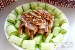 黄瓜拌猪耳(黄瓜摆盘)