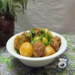 小土豆烧肉丸