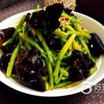 鲜黄花菜拌木耳