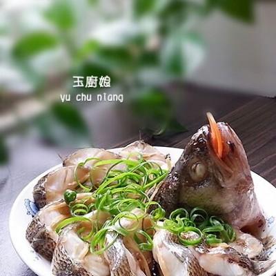 电饭煲蒸鲈鱼