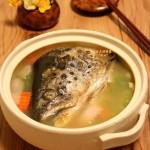 三文鱼头大酱汤