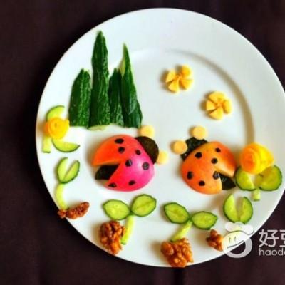 水果拼盘~可爱的瓢虫