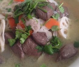 鸭血莲藕汤