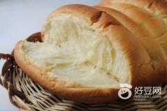 奶酪怎么吃--奶酪排包