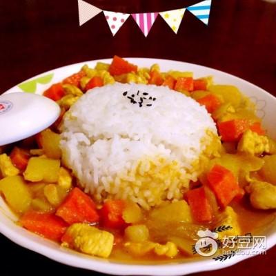 咖喱鸡肉土豆饭