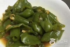 蒜头炒青椒