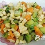 黄瓜胡萝卜炒鸡丁