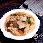 泡酸菜炖五花肉