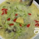 鲫鱼水瓜(丝瓜)汤