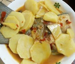 土豆片煮鱼尾巴