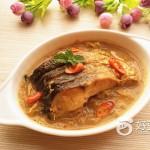 有机酸菜炖鱼