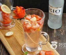 鸡尾酒草莓冰饮