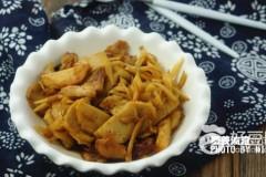 姜丝油渣鱼饼