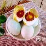 腌制流油咸鸭蛋