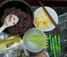 黑糯米炒饭