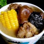 野生菌炖鸡汤