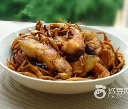 黄花菜焖鱼