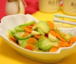 胡萝卜炒西葫芦