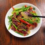 腊肉怎么做好吃-蒜苔炒腊肉