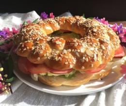 燕麦辫子花环汉堡面包