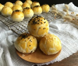 蛋黄酥(黄油+玉米油