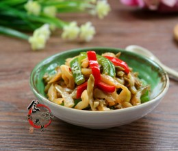 青椒炒榨菜--白粥伴侣