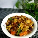 红烧肉炖腐竹