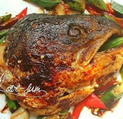 煎焗三文鱼头