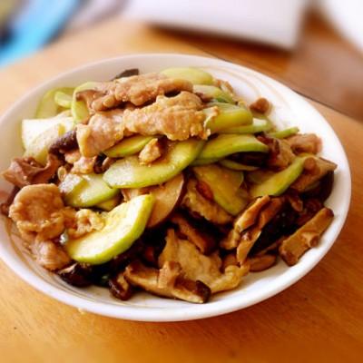 肉片炒香菇西葫芦