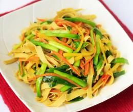 韭菜胡萝卜炒豆皮