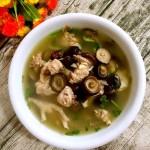 香菇红枣炖鸡汤