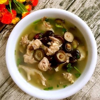 香菇紅棗燉雞湯