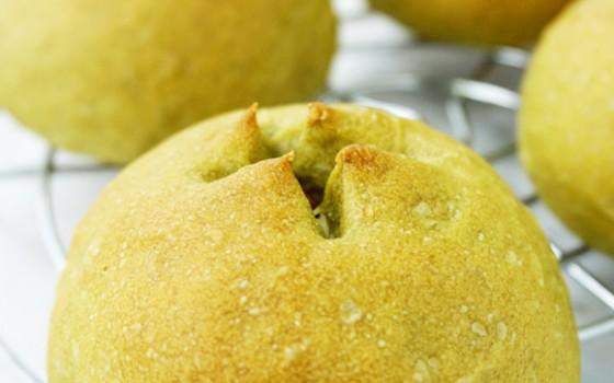 烤肠薯泥茼蒿面包