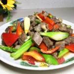 芦笋彩椒炒牛肉