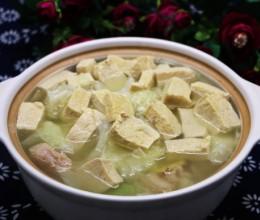 砂锅白菜炖冻豆腐