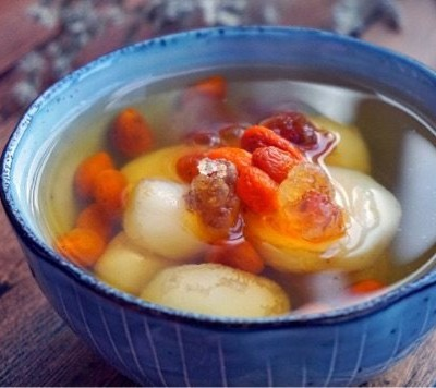 桃胶荸荠甜汤