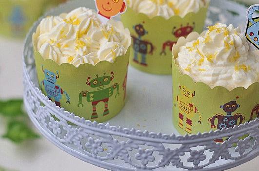 清香柠檬小纸杯蛋糕