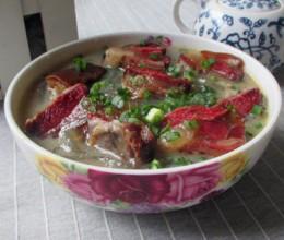 腊肉榛蘑炖粉条