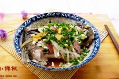 葱香萝卜丝蒸鱼段