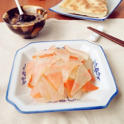 胡萝卜炒焖子