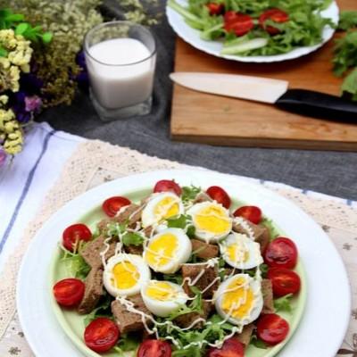 杂粮面包鸡蛋沙拉