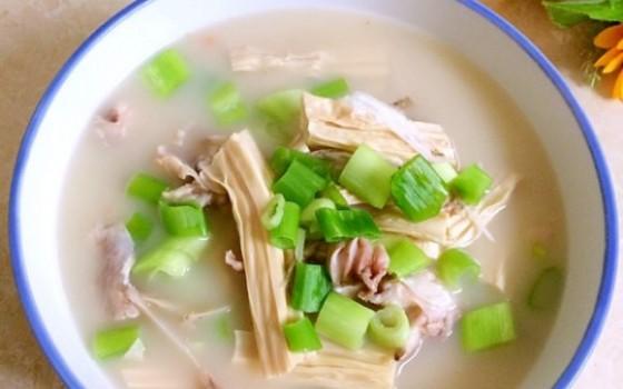 鱼头腐竹汤